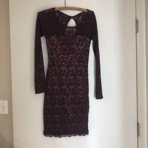 Burgendy lacy long sleeve dress